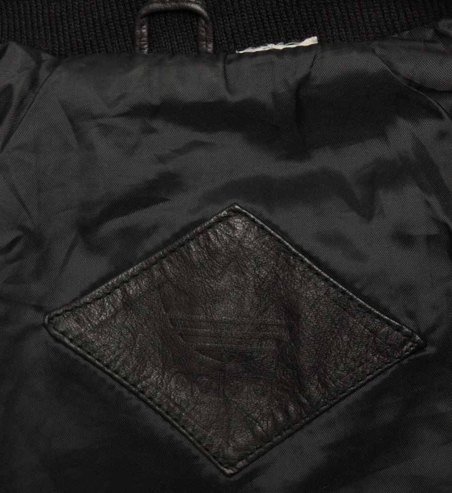 adivintage.com_adidas_leather_jacket_pants_RUN_DMC_IGP0381